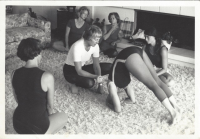 Photo of Diana Clifton teaching Iyengar yoga in Pasadena, California in 1977. Photograph courtesy of the Iyengar Yoga Association (UK) Archives.